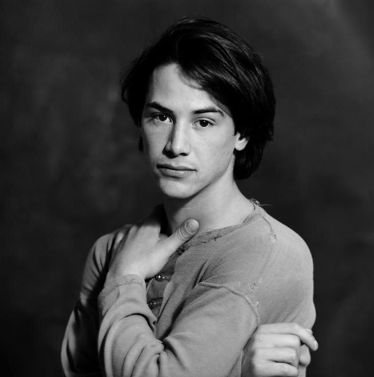 Bár a legtöbb embernek Reeves-ről a Mátrix vagy a John Wick jut az eszébe, már 13 évvel az első Mátrix-film előtt, 1986-ban elkezdett filmezni