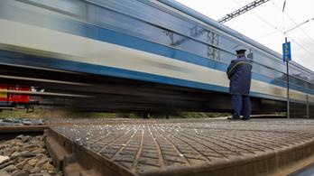 Újraindulnak a nemzetközi vonatok