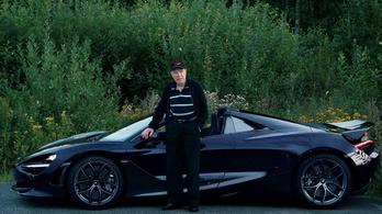 78 évesen 710 lóerős McLarent vezet a világ legvagányabb bácsija