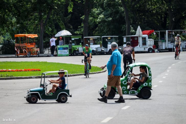 Igen forgalmas Margitsziget júniusban, ahol nemcsak a bringóhintókat, de néha más eszközöket is kell kerülgetniük a bringásoknak