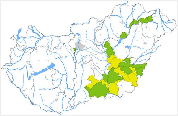 A Belügyminisztérium Vízügyi Főigazgatóság térképén a zöld első-, a sárga másodfokú belvízvédelmi készültséget jelöl.