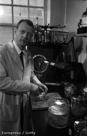 Thomas Harvey 1955-ben