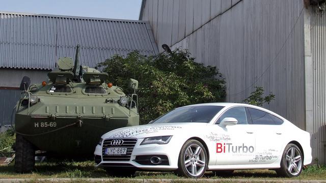 Az mindenesetre biztos, hogy a lövegkezelőnek nagyon fürgének kell lennie, ha a mozgó célpont egy A7 3.0 TDI BiTurbo