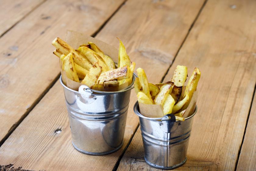 Ropogósra sült, fűszeres karalábéhasáb: isteni köret krumpli helyett
