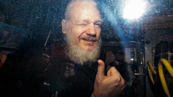 Hekkertoborzással is vádolják a WikiLeaks alapítóját