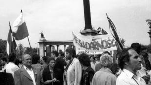 Két jóbarát a nyolcvanas években: Lech Wałęsa Magyarországon