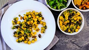 Keleti hangulatban: mentás csicseriborsó-saláta mazsolával