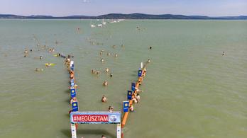 Augusztus 1-jén lesz a Balaton-átúszás