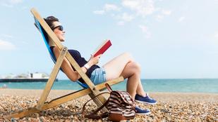 Az idei nyár slágergyanús könyve, amit érdemes kivinni a vízpartra