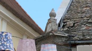 Teljesen tönkremehet Szentendre egy ikonikus épülete