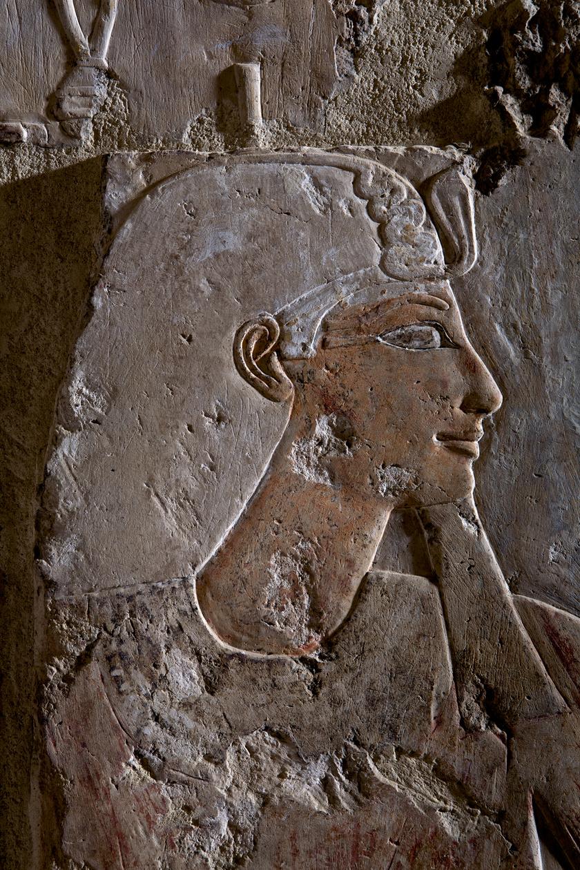 Hatsepszut az ókori Egyiptom egyik legjelentősebb női fáraója volt az i. e. 1400-as években, és 22 évig irányította a birodalmat. Propagandával építette fel hatalmát, visszaverte a felkeléseket, uralkodása alatt virágzott a kultúra, a kereskedelem, és rengeteg építkezés köthető a nevéhez.
