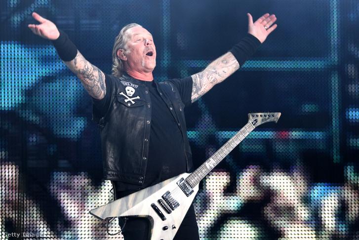 James Hetfield, a Metallica frontembere az együttes moszkvai koncertjén a Luzsnyiki Stadionban 2019. július 21-én.