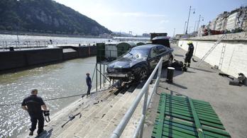 Átszakította a szalagkorlátot, majdnem a Dunába zuhant egy autós