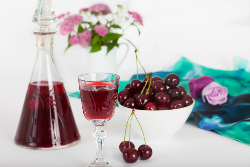 Nagyon gyümölcsös házi meggylikőr: édes, de ütős
