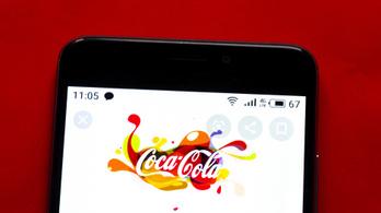 A Coca-Cola befagyasztja a hirdetéseit az összes közösségi platformon