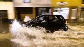 Egerben és Miskolcon is komoly károkat okozott a vihar, többen elvesztették az otthonukat