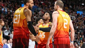LeBron Jamesszel tér vissza az első napján az NBA