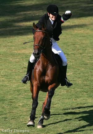 Vörös Zsuzsanna a női öttusaverseny lovaglásszámában a XXVIII. nyári olimpián