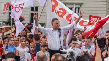 A koronavírus feje tetejére állította a lengyel elnökválasztást