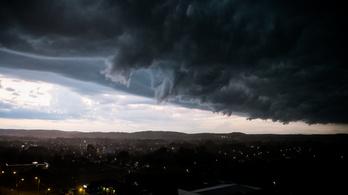 Zivatar, felhőszakadás, széllökés és hőség miatt is figyelmeztetést adtak ki hétfőre