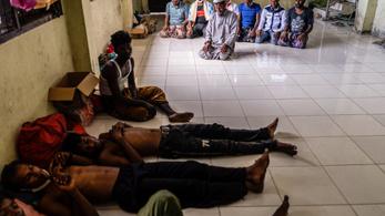 Több ezren menekülnek a mianmari hadsereg tisztogató műveletei elől