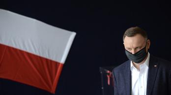 Az élen végzett az első fordulóban, de nem örülhet a lengyel elnök
