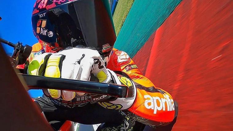aleix-espargaro-misano-motogp-test-aprilia-racing