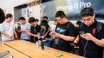 Hálózati adapter nélkül érkezhet az új iPhone