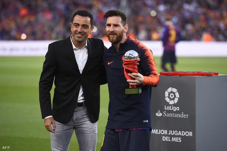 Xavi egykori csapattársával Messivel, 2018 májusában