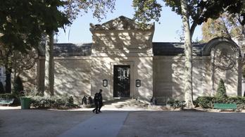 A francia forradalom lefejezett áldozatait rejthetik egy párizsi kápolna falai
