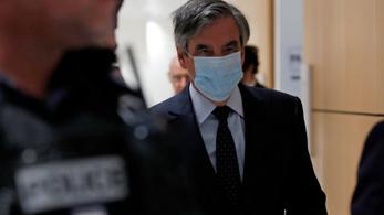 Öt év börtönt kapott sikkasztásért François Fillon volt francia kormányfő, fellebbezett
