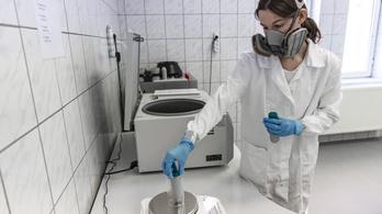 Egy-két héttel előbb megjósolható a koronavírus-járvány második hulláma a hazai szennyvízből