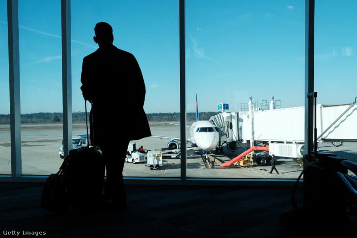 Utas egy amerikai repülőtéren 2020. márciusban