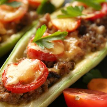 Szaftos, darált hússal töltött nyári tök – Zsenge zöldségből a legjobb