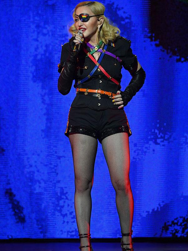 Hány centis Madonna?