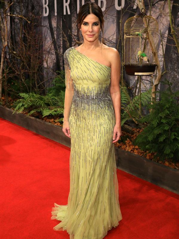 Milyen magas lehet Sandra Bullock?