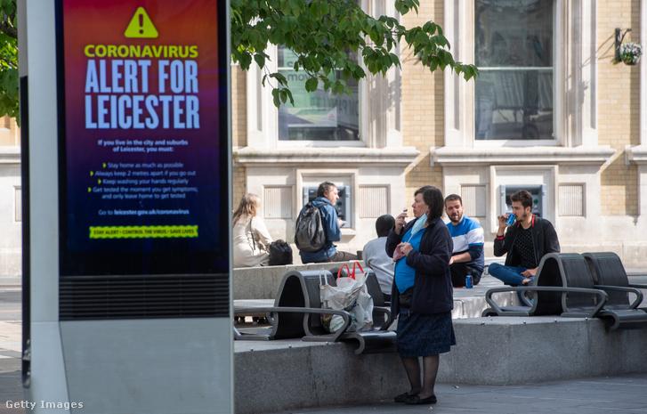 Koronavírus-járványra figyelmeztető üzenet Leicesterben 2020. június 30-án