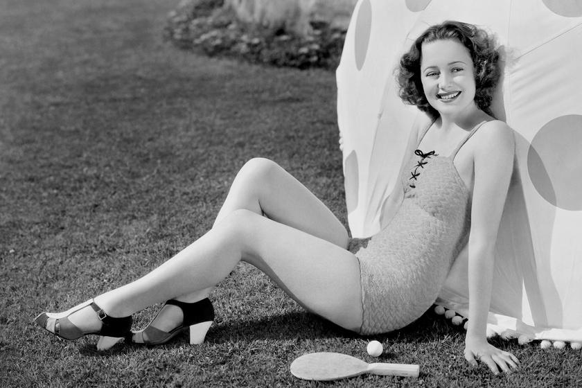 Ez a felvétel 19 éves korában készült róla, 1935-ben, pont ebben az évben jelent meg élete legelső filmje.