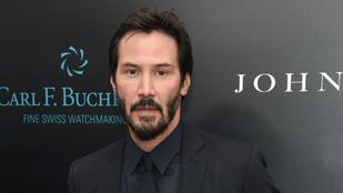 Úgy tűnik, a múltbéli tragédiák után végre egyenesbe jött Keanu Reeves élete