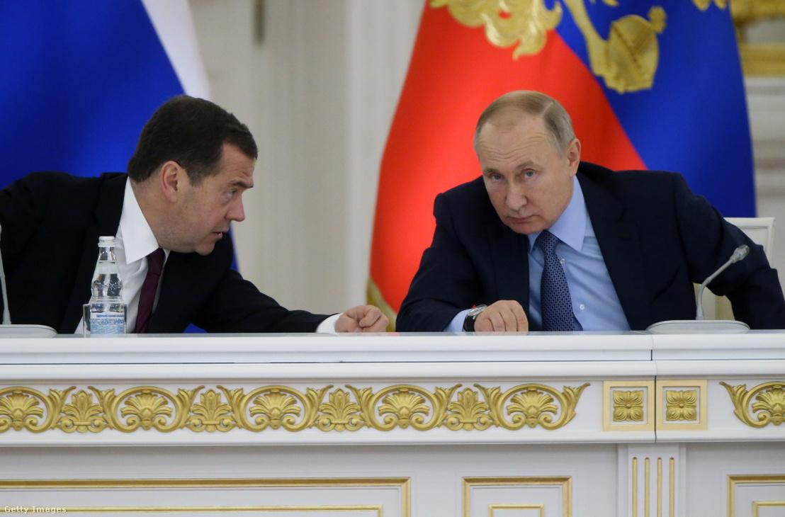 Putyin és Medvegyev 2019 decemberében a Kremlben