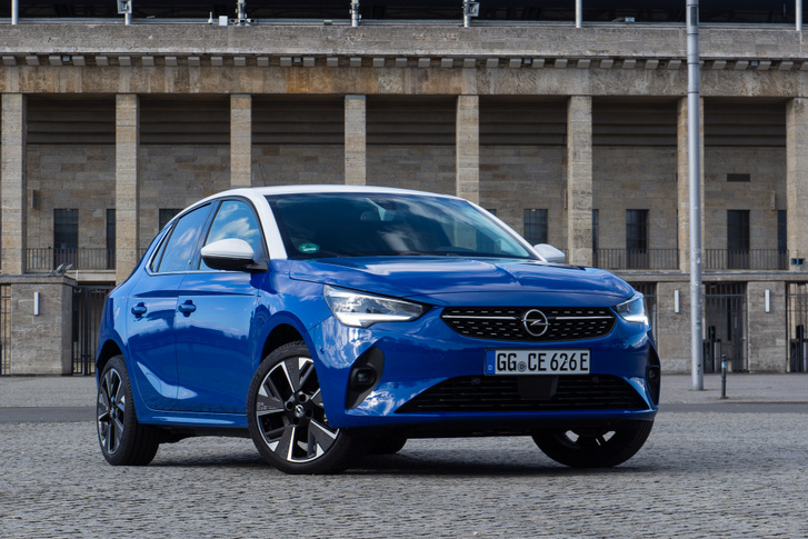 Az Opel Corsa-e ára például csak kevéssel nyúlt 11 millió fölé, az importőr azonnal csökkentette