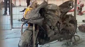Két motor leégett egy katalán pályanapon