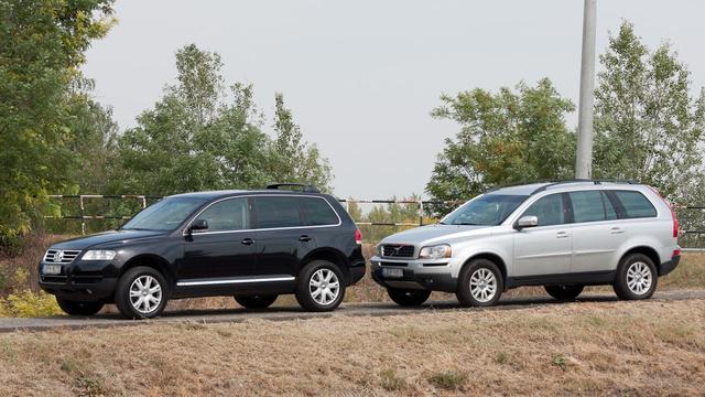 A Volvo alig öt centivel hosszabb, ez már előrevetíti, mekkora lehet a hely a két hátsó ülésen