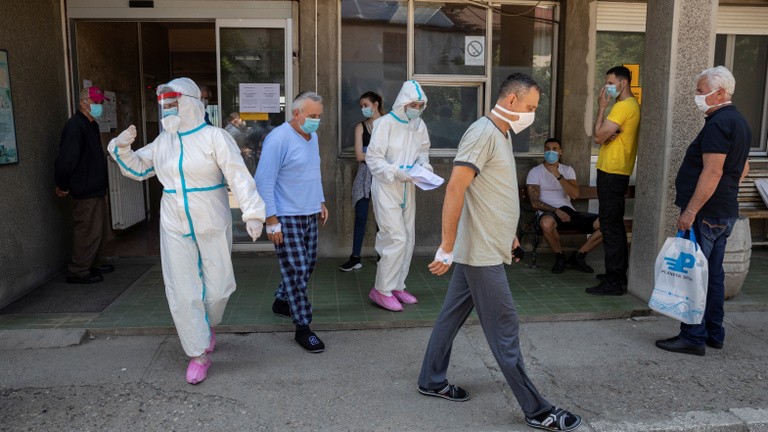 Rendkívüli helyzetet vezetnek be Belgrádban a koronavírus miatt
