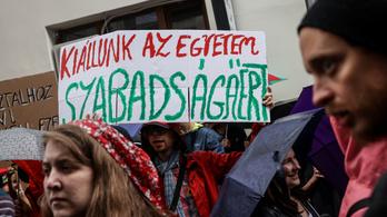 Már 200-nál több művész tiltakozik a Színművészeti átalakítása ellen