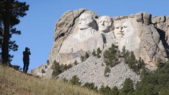A sziú indiánok leromboltatnák a híres amerikai elnökök faragványait