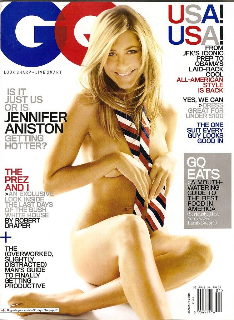 Mindössze ez az Amerika zászlajának színeiben pompázó nyakkendő takarta Jennifer Aniston testét a 2009-es GQ magazin borítóján.