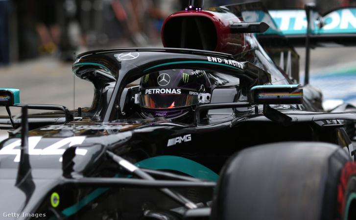 Lewis Hamilton a 2020-as Osztrák Nagydíj első szabadedzésén