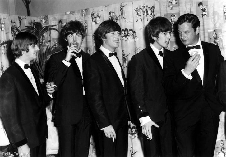Ringo Starr, Paul McCartney, John Lennon, George Harrison és Brian Epstein