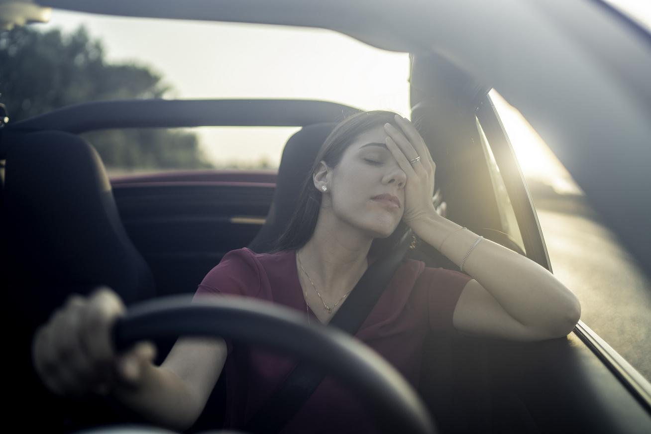 fáradtan vezetni nyitó